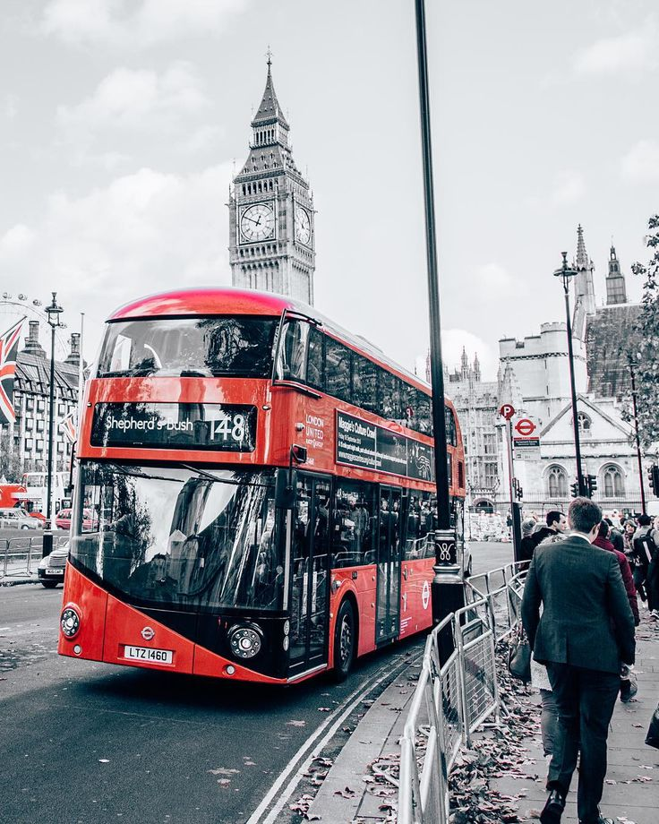 """A new #routemaster making its way through #Westminster ❤️ @daveburt // #ThisIsLondon #london #bigben"""