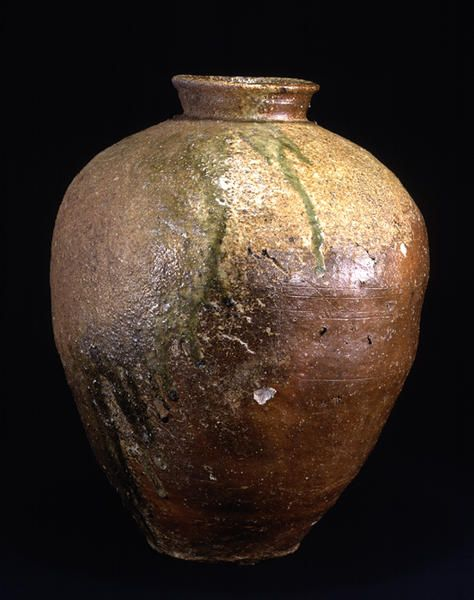 TitleLarge Jar ProvenanceShigaraki kiln, Shiga pref. PeriodMuromachi period Century15c MaterialsShigaraki ware DimensionsH-50.7 D-41