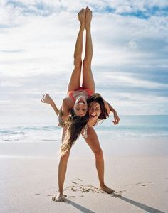 best friend beach poses - Google Search