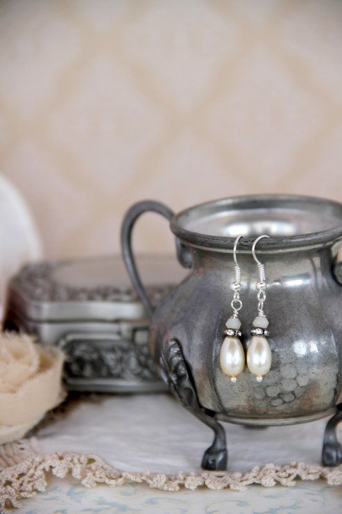 Vintage style pearl drop earrings by Heart Jewelry Creations