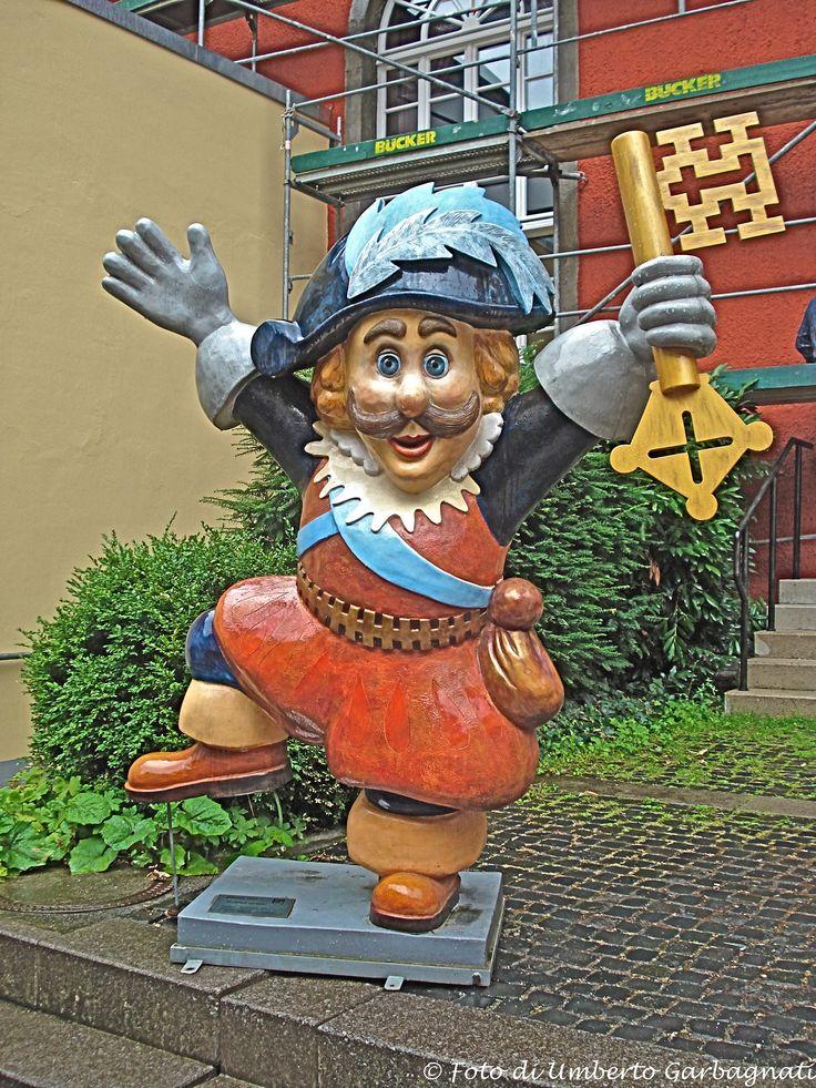 ...statua caricatura del Borgomastro nella piazza del Municipio - Soest (D) - 08 lug 2008 - © Umberto Garbagnati -
