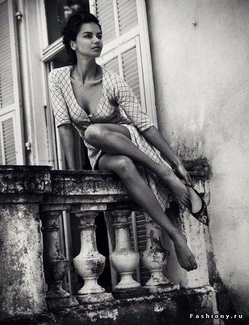 Адриана Лима в фотосессии для испанского Harper's Bazaar — июль 2017