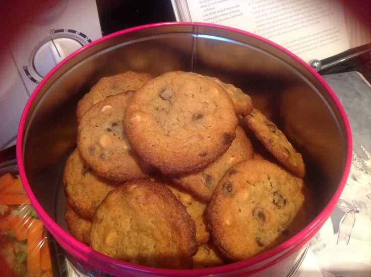 White chocolate chip and raspberry cookies