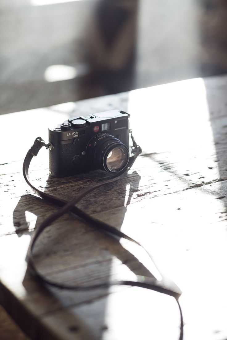 This is the most beautiful camera ever made in my opinion! The Leica M6 is all the looks and all the style! Love this ting. Wish I had one, but this is my friend Niels's