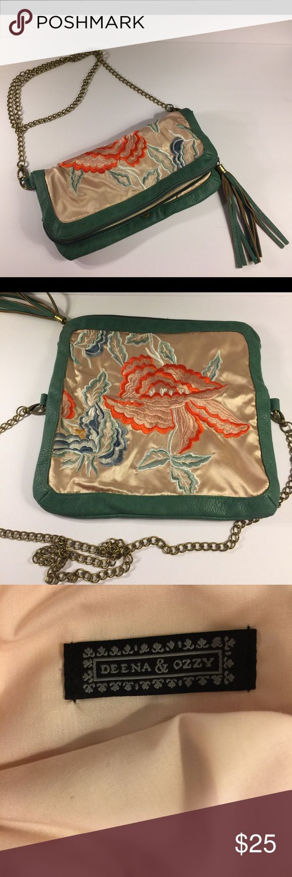 Deena & ozzy crossbody silk purse Floral & teal Teal accents along with beige silk background and Floral print. Gold chain. Deena and ozzy. Deena & Ozzy Bags Crossbody Bags