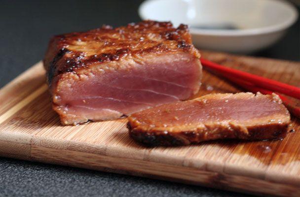 Tagliata di tonno all'arancia - Ricetta facilissima, richiede davvero pochissimo tempo e solo qualche attenzione a non prolungare troppo la cottura del tonno