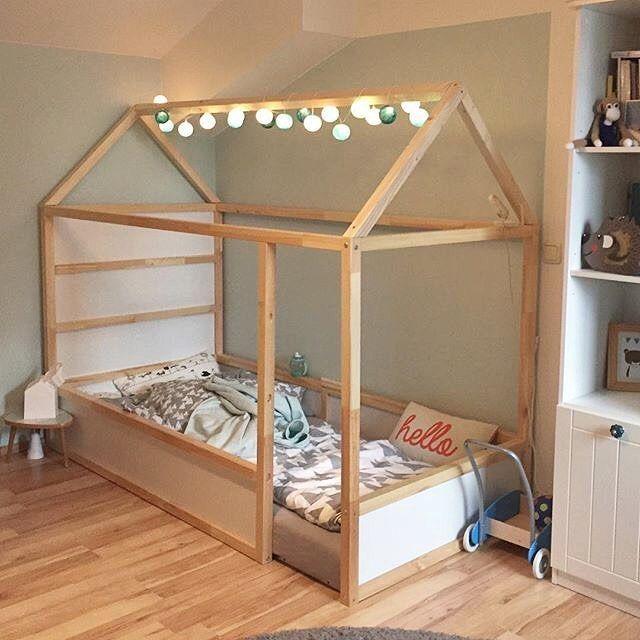 Habitación infantil Montessori preciosa. Tunenando la cama Kura