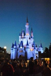 When to Visit Walt Disney World - when are there less crowds, hotel deals? #disneyworld #travel