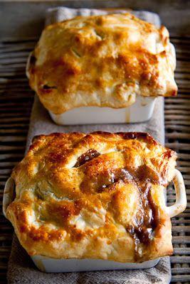 Steak and mushrooms pot pies