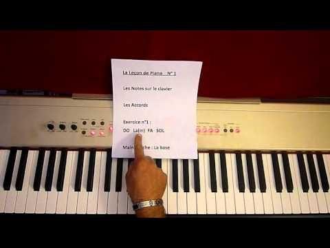 """Voici la 2eme vidéo de lecon de piano. Concerne principalement le beatmaking car je vous montre une instru que je fais avec les """"accords de base"""" de la Lecon..."""