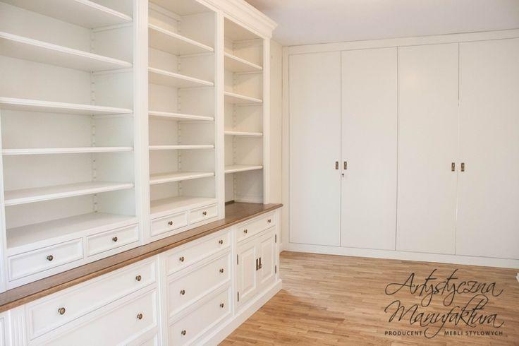 stylowa biblioteka angielska, traditional white custom bookshelves, built in boocases, home office, library