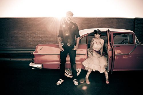 family photo...rockabilly style: Photos Ideas, Classic Cars, Engagement Photos, Wedding Pics, Vintage Cars, Photos Shoots, Rockabilly Wedding, Families Photos, Wedding Pictures