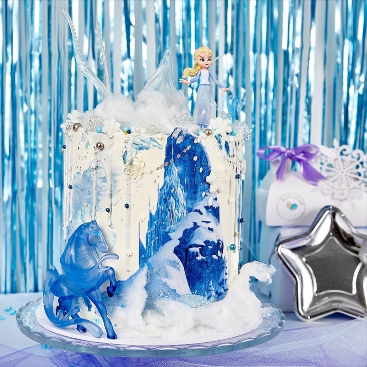This is the perfect Frozen 2 themed cake. It includes Elsa