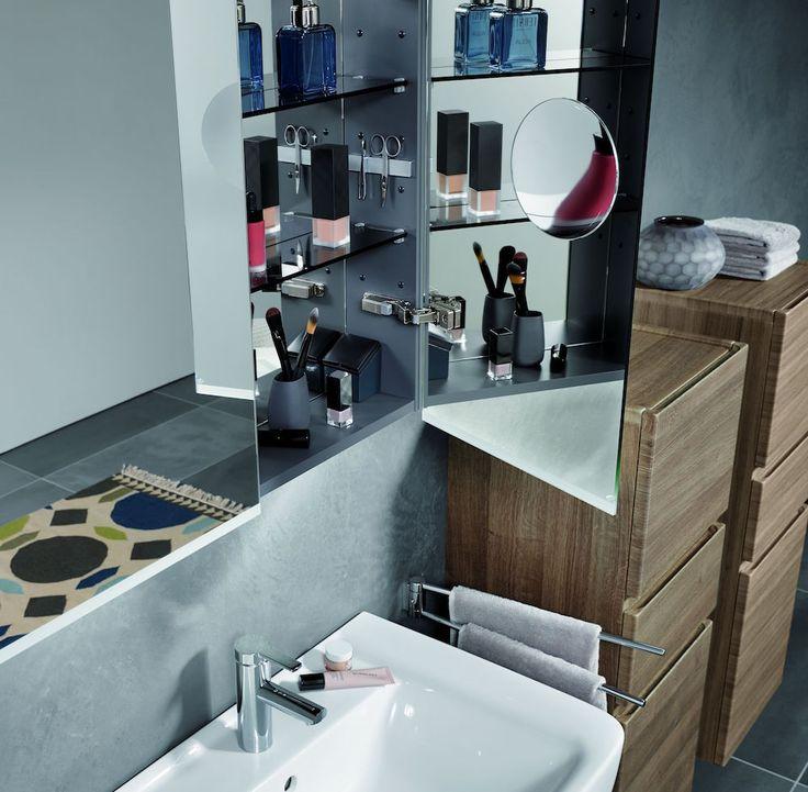 Badkamerkast met functionele indeling, praktische magneethouder en ...