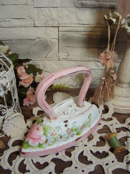 "Утюг чугунный ""Роза пахнет розой"" - ретро,утюг,винтаж,винтажный,розовый цвет"