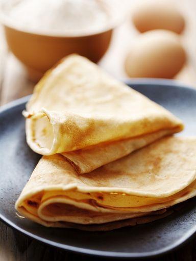 Découvrez notre recette de crêpes (sans lait) pour les intolérants aux produits laitiers ou ceux qui n'ont pas de lait dans leur frigo :-)