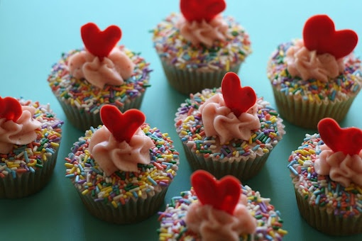 Sprinkles Strawberry Cupcakes | Cupcakes and Muffins | Pinterest