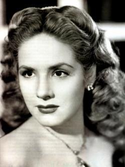 Rosita Quintana (1925). Rosita Quintana (1925) Es una gran actriz argentina nacionalizada mexicana, con una extensa carrera desarrollada principalmente en México. Es considerada como una de las grandes estrellas latinoamericanas de la actuación, así como una de las actrices más bellas de la Época de Oro del Cine Mexicano.