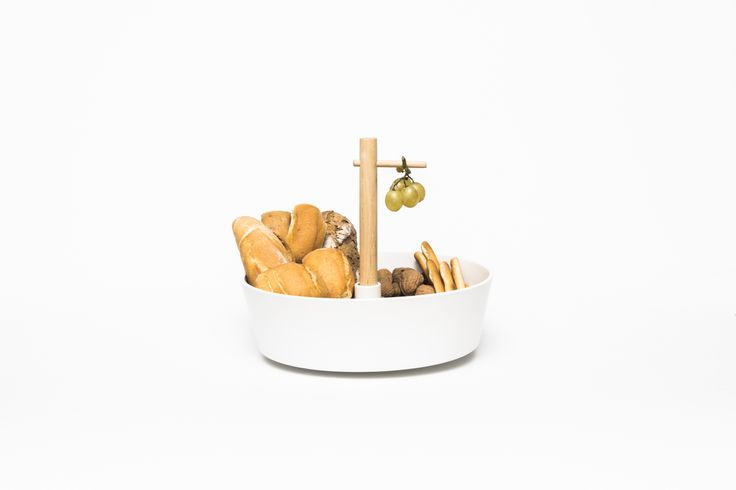 DILEMMA, Dean Brown An uncertain table piece that can be used as fruit bowl or a cake plate. It acknowledges a personal dilemma: to eat healthily or to indulge. Without being judgmental, it presents two alternative ways to enjoy food. #extraordinarygallery #fabrica #deanbrown