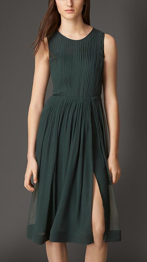 Burberry London Black emerald Pleated Silk Dress - A silk crépon dress with a pleated top and gather detail at the skirt.  Structured with an internal corset, the feminine-fit dress has a front side split.  Discover the women's dress collection at Burberry.com