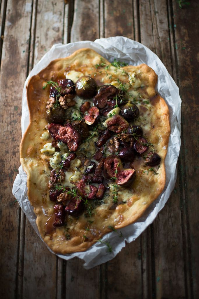 Fig and gorgonzola pizza # food styling