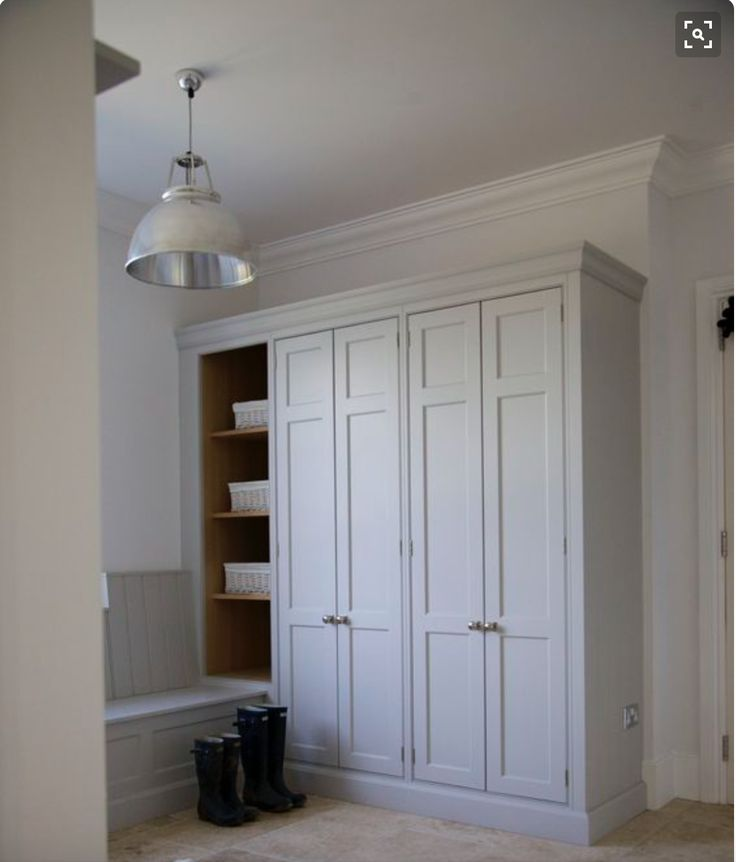 3 exposed hinges and panel example