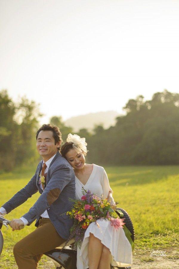{SIMples} Produção Lápis de Noiva: Casamento com personalidade http://lapisdenoiva.com/simples-lapis-de-noiva-casamento-com-personalidade/ Foto: Cadeira Amarela