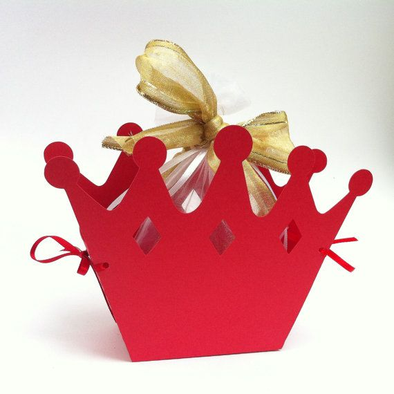 Crown gift boxes. Birthday party or baby shower favors - lots of colours! Little prince, princess party. Queen of hearts.