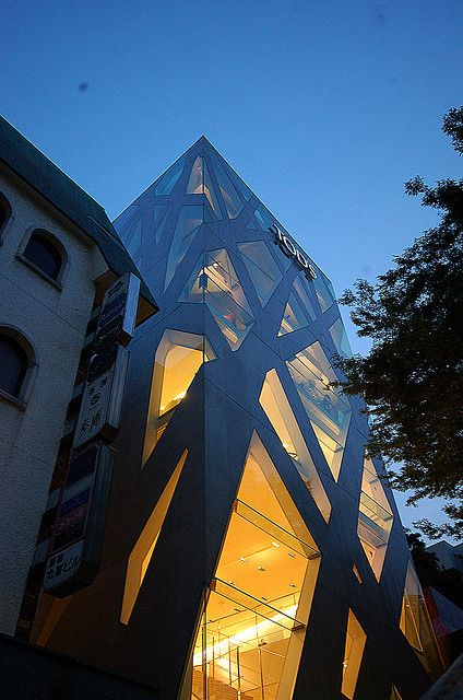 EDIFICIO TODS, TOKYO, TOYO ITO, via Flickr.