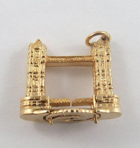 Hey, I found this really awesome Etsy listing at https://www.etsy.com/listing/235189202/london-bridge-mechanical-9-karat-gold