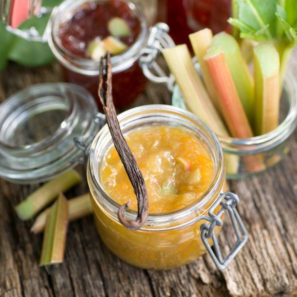 Confiture de rhubarbe et abricots secs