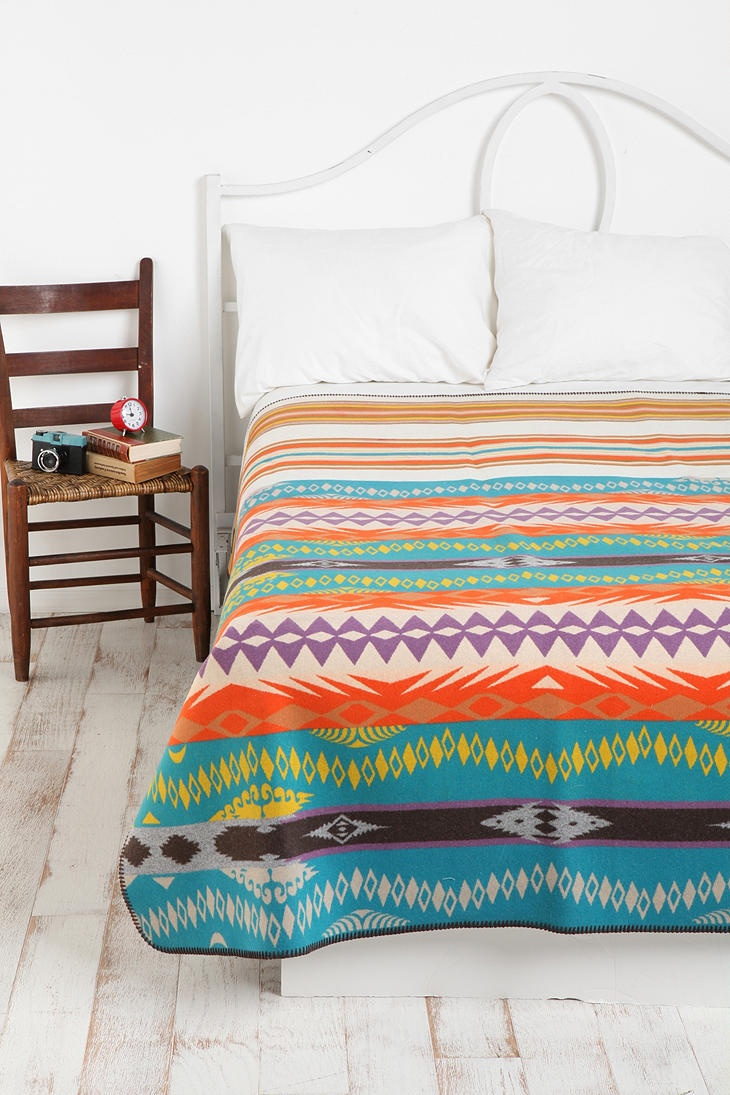 pendleton 174 classic wool comforter in white bed 17 best images about master bedroom on 812