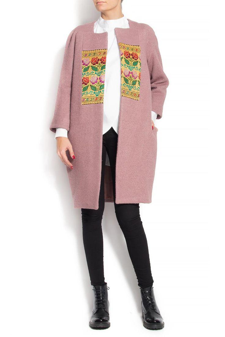 Izabela Mandoiu | Palton din lana cu insertii din fota traditionala | WE LOVE COUTURE