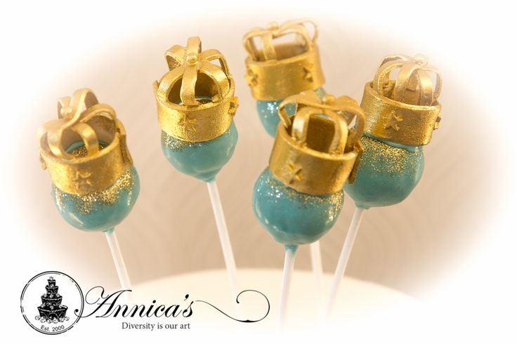 Royal 1st CakePops by Annica's