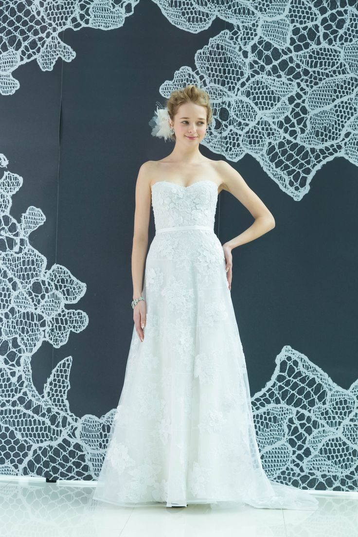 #wedding #weddingdress #dress #dressshop #white #collectionshow #Tokyo #ginza #NOVARESE #結婚式 #ウエディング #ウエディングドレス #ドレス #ドレスショップ #ホワイト #白 #コレクションショー #ランウェイショー #東京 #銀座 #ノバレーゼ #Lara #Mira Zwillinger #ミラ・ズウィリンガー