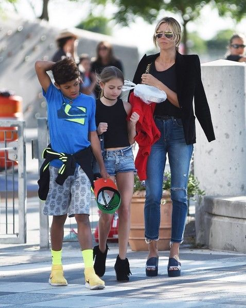 """Heidi Klum Photos - """"America's Got Talent"""" judge Heidi Klum with all her children are seen out and about in New York, on June 9th 2016. The group held hands with each other while walking around the city. - Heidi Klum & Her Children Walk Around NYC"""