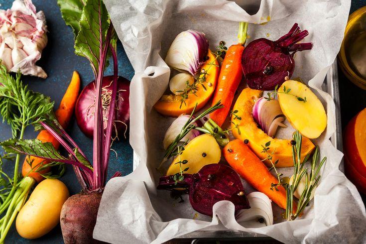 Tepsiben sült, vegyes zöldségköret a súlycsökkentő diétához: kellemesen fűszeres és nagyon egészséges