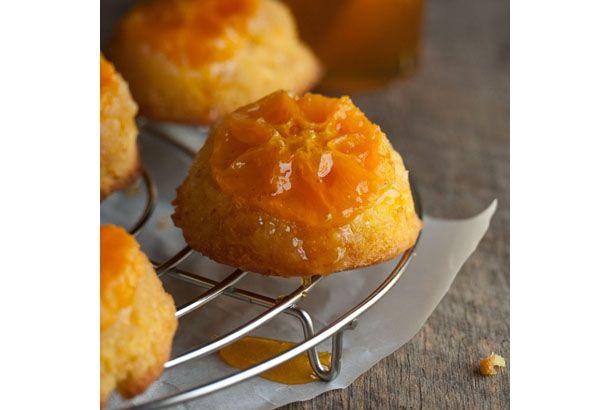 うまそなレシピ見つけたよ! 小さな「みかんの逆さまケーキ」 | roomie(ルーミー)