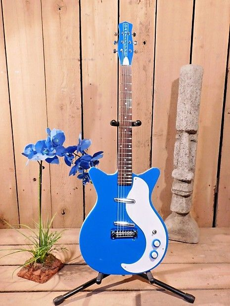"""At Top 40 Guitars our customer's satisfaction is our first concern.All our items we sell have a 14 day return policy.If after 14 days you are not happy with the item, please return it for a refund.(Less 10% restocking fee)*all returned items must include original packing.Peace be with you...Up For Sale is Danelectro '59NOS!Display model. Sold as """"New Other"""" because they show very minor signs of being played. Original manufacturers warranty is included. Top 40 guitars has check ..."""