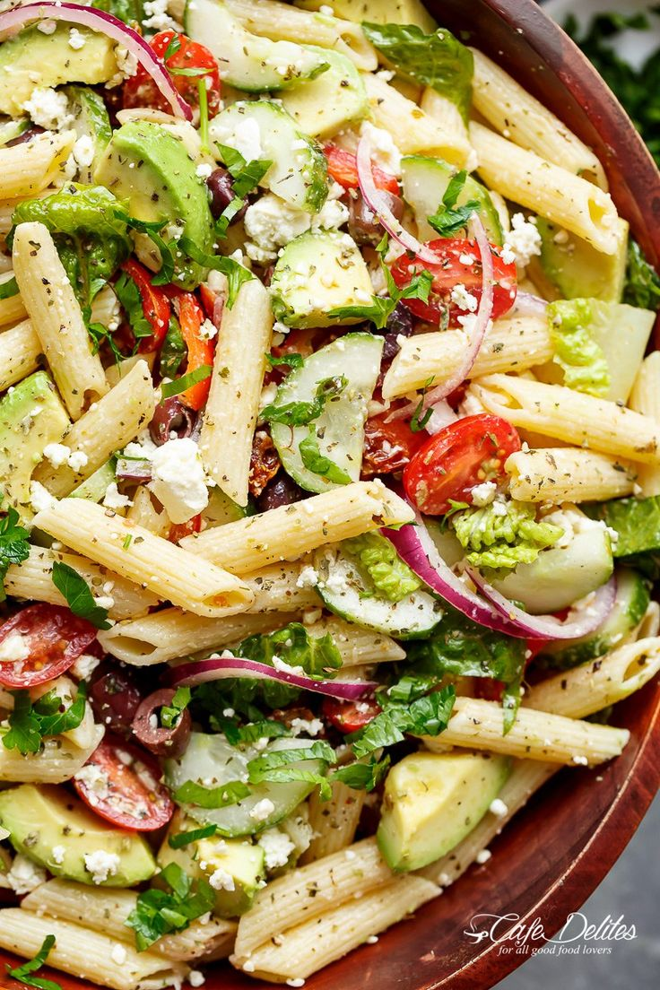 Lemon Herb Mediterranean Pasta Salad is loaded with so many Mediterranean salad ingredients, and drizzled an incredible Lemon Herb dressing!