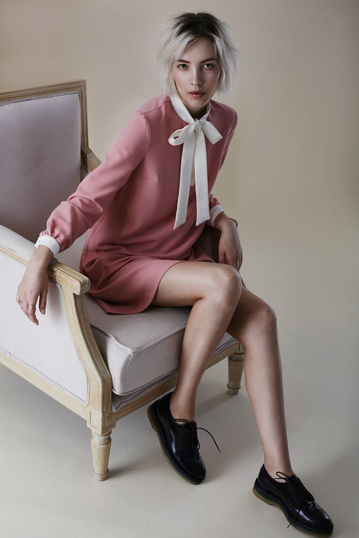 Окунаемся в атмосферу ранней осени с новым lookbook TOPBRANDS.На модели платье Y.Amelina и ботинки Etro #topbrands #yamelina #etro #fashion #lookbook