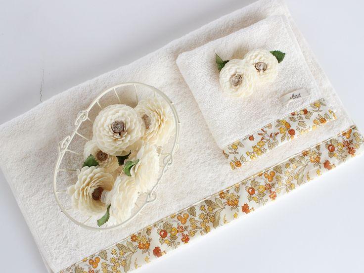 LIBERTY PRINT リバティプリント ナンシーアン フェイスタオル 36×80cm カラフルなお花やフルーツが大人気!天真爛漫なデザインがキュートなリバティプリント「Nancy Ann - ナンシーアン - 」と、今治産のパイル生地がコラボレーションしたフェイスタオルが新しくなって登場。 小さなお花やフルーツ、おいしそうな実にジューシーなカラー。