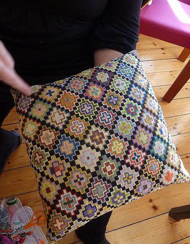 reste-pude #1 | Næsten som hæklede oldemorfirkanter ... bare… | Flickr