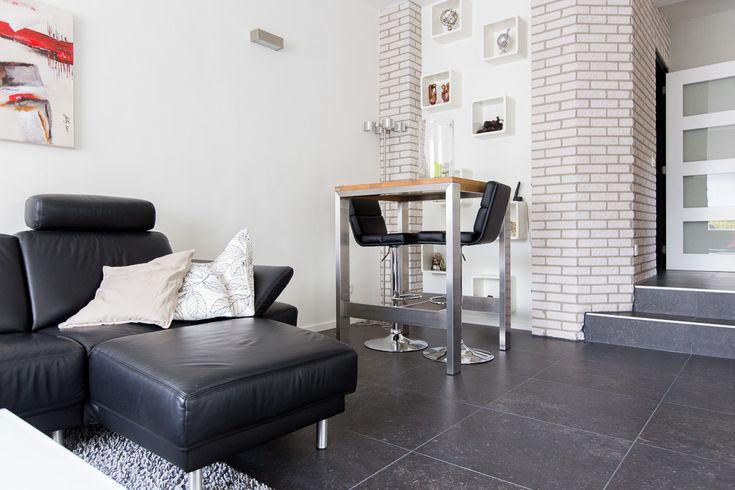 Belgisch Hardsteen look binnen #keramiek #keramische #woonkamer #wonen # #wooninspiratie #interieur #interieurstyling