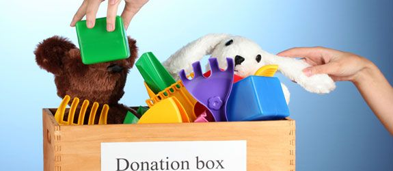 9 places to donate gently used toys http://www.moneycrashers.com/where-donate-used-toys/