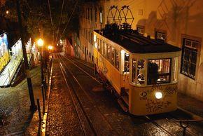 Vous avez prévu de visiter Lisbonne pendant un week-end, mais vous ne savez pas quels endroits il ne faut surtout pas rater ? Lisez la suite !