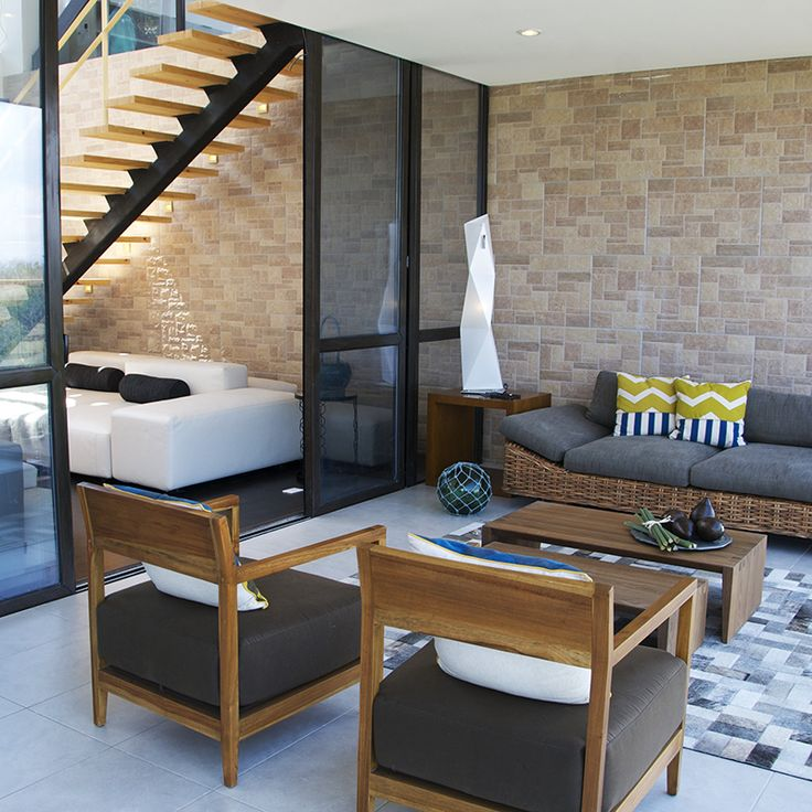 Proyecto Casa Leed por la Arquitecta Maria Mercedes Robledo - AD Medellín. Tapete: African-Leather