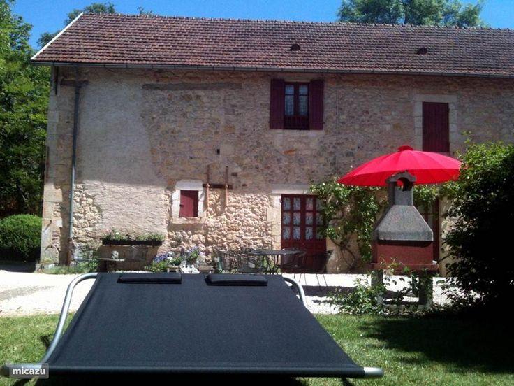 Gîte / cottage Le Pavillon de St. Agnan, Gîte 1 in Hautefort, Dordogne, Frankrijk huren? Direct contact met de eigenaar, direct boeken bij de eigenaar. Handig en voordelig. Micazu Mijn huis, jouw vakantie.