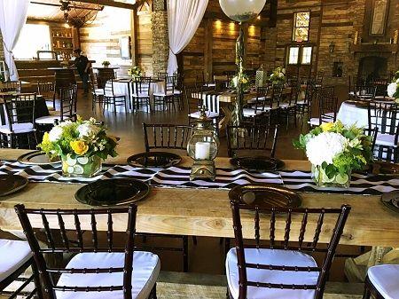「カーターズフローリスト」にて、50歳の誕生日パーティー用にテーブルアレンジメントを作りました!50th birthday party's flower arrangements by Carter's Florist in Conroe, Texas, USA.
