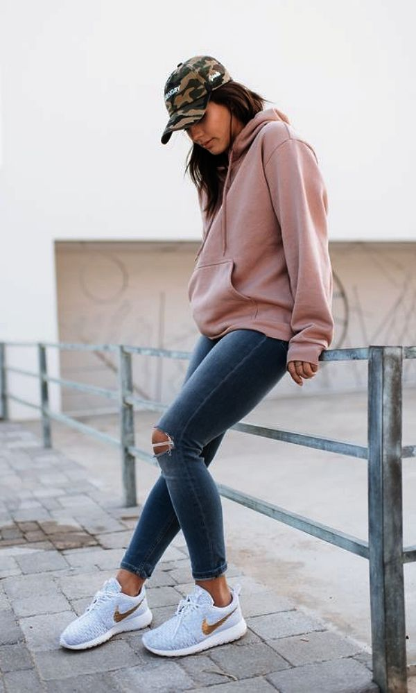 Tips For Choosing And Styling The Perfect Hoodie , Choosing Hoodie Perfect  Styling Tips 654992339540… | Trendy spring outfits, Hoodie fashion, Spring  outfits casual